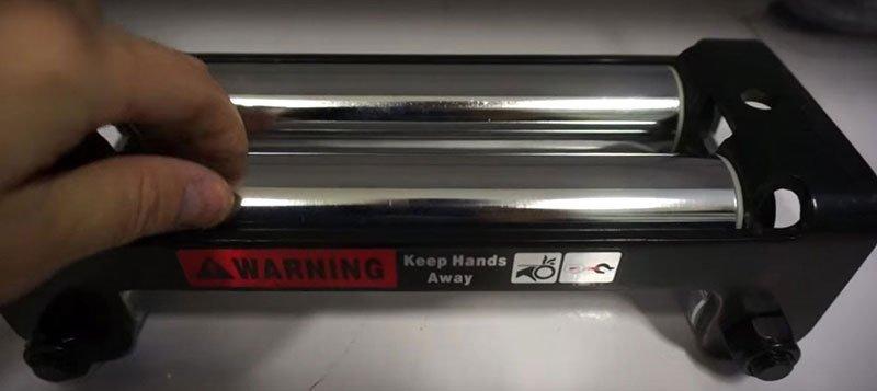 Купить роликовые направляющие под стальной трос
